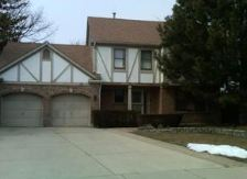 10 Chestnut Ct E, Buffalo Grove, IL 60089