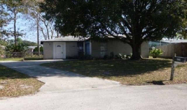 674 Thomas Jefferson Ln, Melbourne, FL 32904