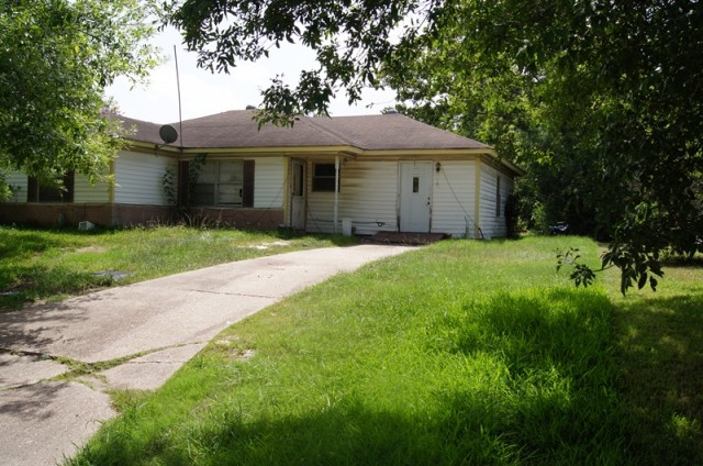 705 Horncastle Street, CHANNELVIEW, TX 77530