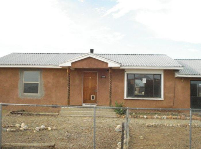 9 Day Lane, TAOS, NM 87571