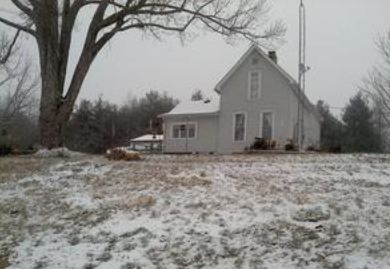 630 S Robinson Lake Rd, Pierceton, IN 46562