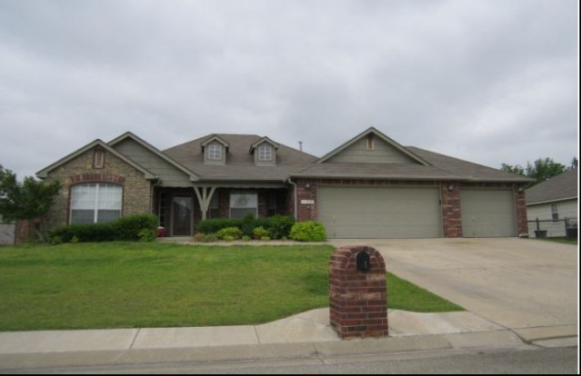 11280 S 274th East Ave, Coweta, OK 74429
