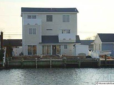 26 Cruiser Ct, Toms River, NJ 08753