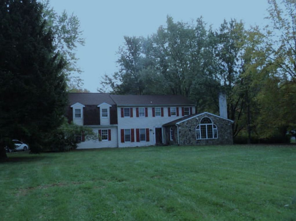 282 Hunters Run Rd, Honey Brook, PA 19344