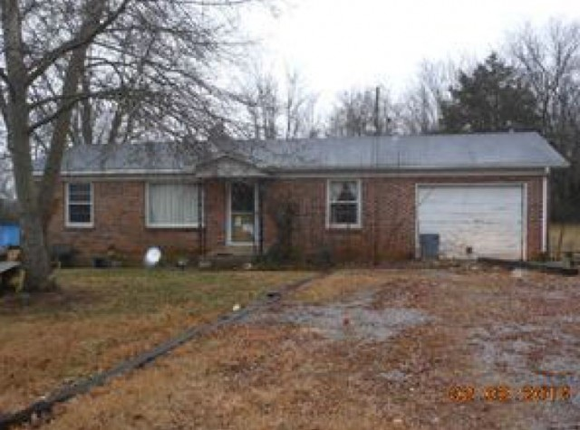 217 Hopkins Ave, Lewisburg, TN 37091