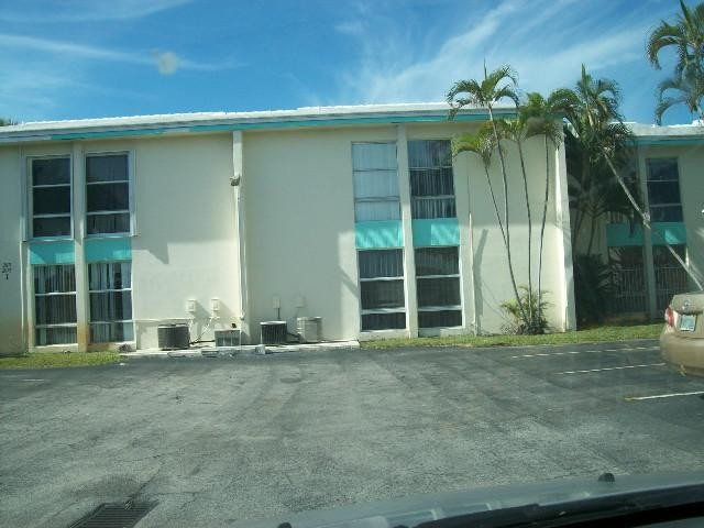 2075 NW 46th Ave # I-102, Fort Lauderdale, FL 33313