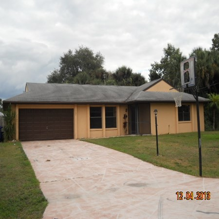 167 Carlisle Ave S, Lehigh Acres, FL 33974