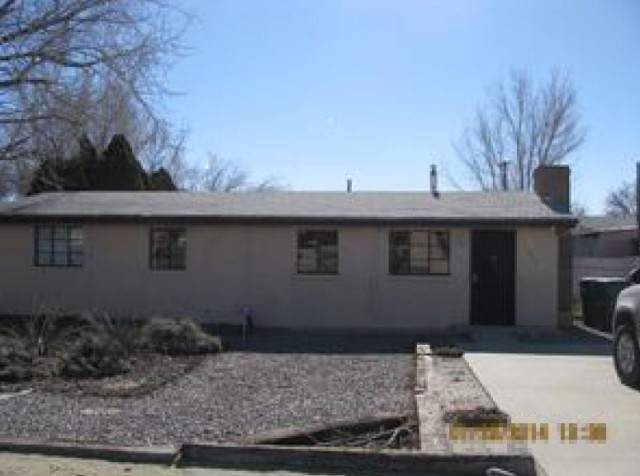 1017 Walnut Dr, Farmington, NM 87401