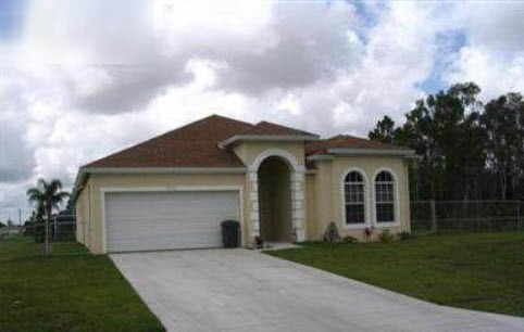 5201 28th St SW, Lehigh Acres, FL 33973