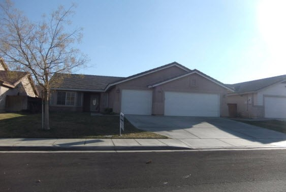 3328 Whisper Sands Ave, Rosamond, CA 93560
