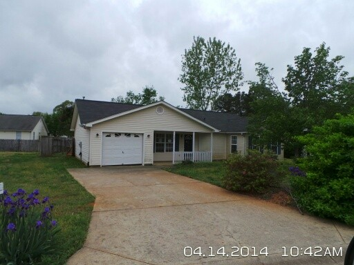 527 Pleasant Breezes Way, Spartanburg, SC 29307