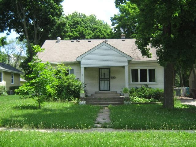 Lake County foreclosures – 1043 Spafford St, Antioch, IL 60002