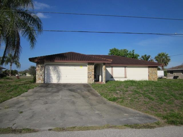 1322 SE 10th Pl, Cape Coral, FL 33904