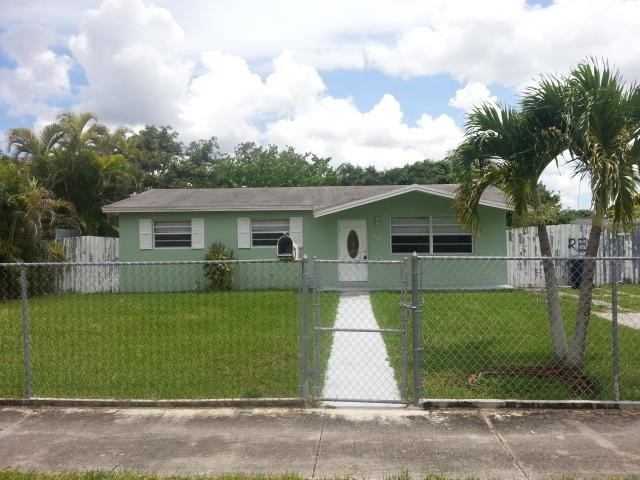 Miami foreclosures – 11820 SW 205th St, Miami, FL 33177