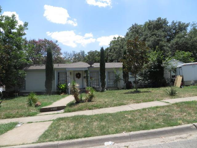 Dallas County foreclosures – 2806 W 8th St, Dallas, TX 75211