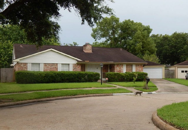 Houston foreclosures – 10423 Huntington Crest Dr, Houston, TX 77099