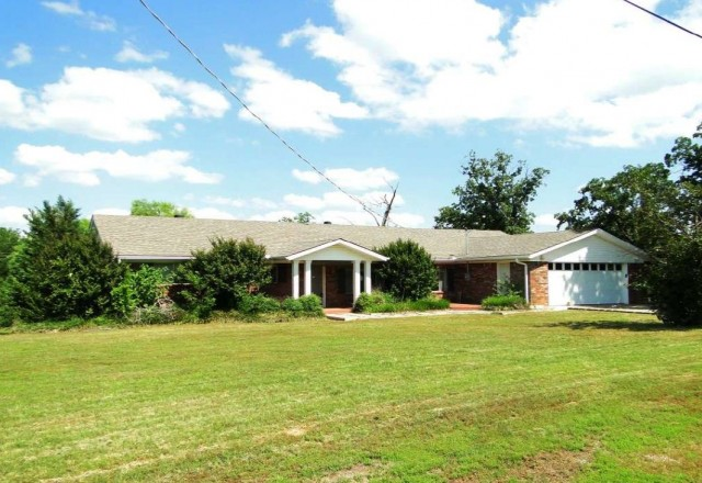 Sebastian County foreclosures – 205 13th St, Barling, AR 72923
