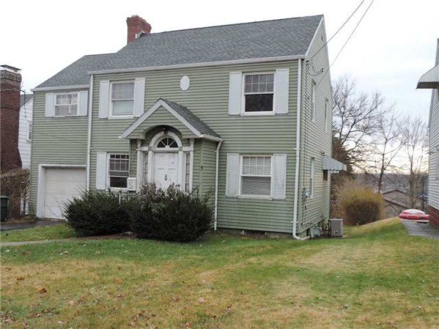 809 California Ave, Ellwood City, PA 16117