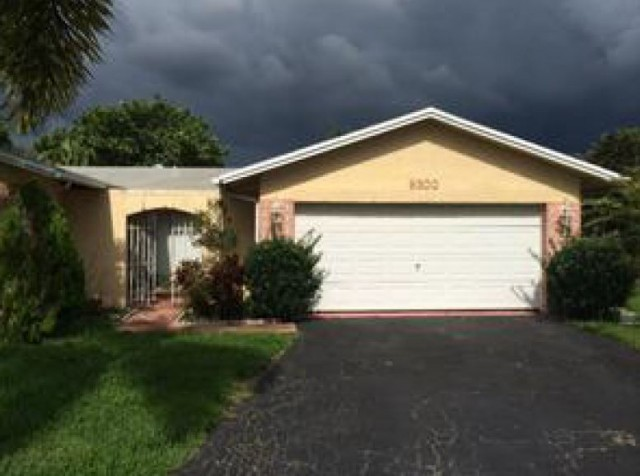 Sunrise foreclosures – 9300 Nw 35th Mnr, Sunrise, FL 33351