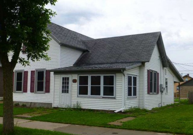 La Crosse County foreclosures – 1474 Redfield St, La Crosse, WI 54601
