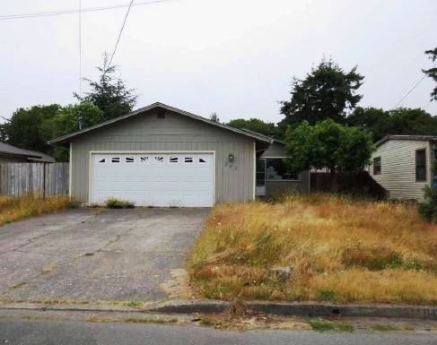 Coos County foreclosures – 945 Augustine St, Coos Bay, OR 97420
