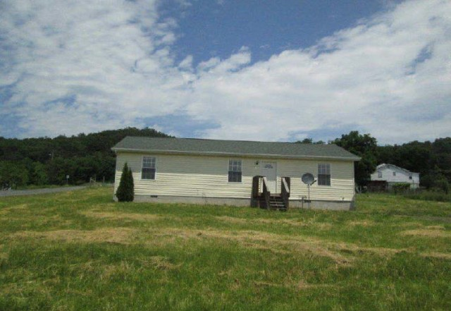 26836 foreclosures – 110 2nd St, Moorefield, WV 26836