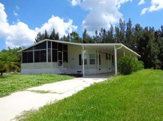 Martin County foreclosures – 8021 Se Skylark Ave, Hobe Sound, FL 33455