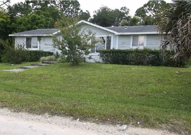 Volusia County foreclosures – 2486 Daytona Park Rd, Deland, FL 32724