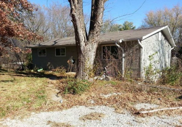 Columbia foreclosures – 2001 N Southwest Ct, Columbia, MO 65202
