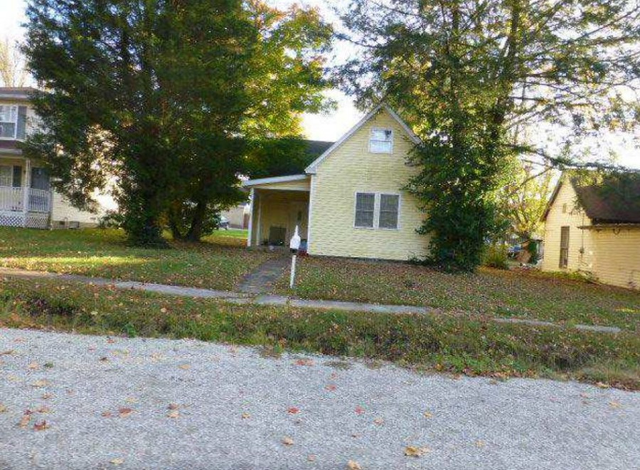 Lawrence County foreclosures – 1312 10th St, Bedford, IN 47421