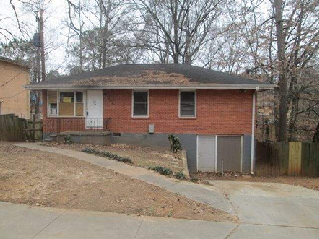 Atlanta foreclosures – 352 Holly Rd NW, Atlanta, GA 30318