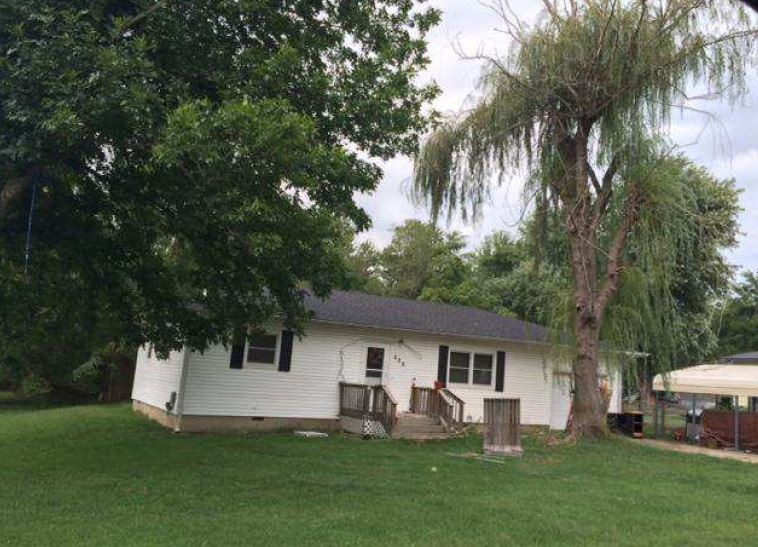 Newton County foreclosures – 501 E Maple St, Diamond, MO 64840