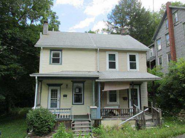 Jim Thorpe foreclosures – 83 E 3rd St, Jim Thorpe, PA 18229