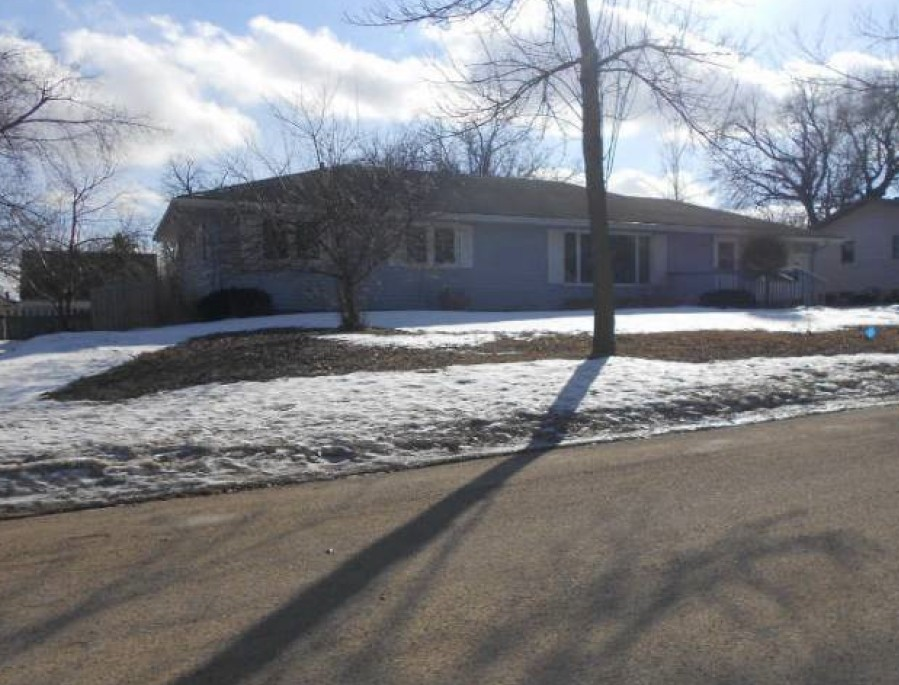Rock County foreclosures – 109 W Elm St, Luverne, MN 56156
