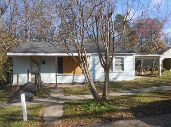 Jones County foreclosures – 205 W 13th St, Laurel, MS 39440