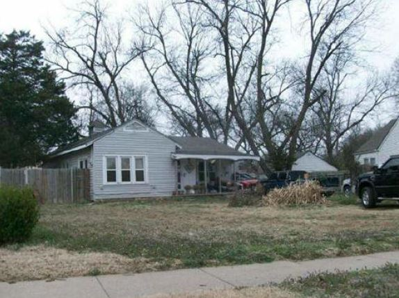 Kay County foreclosures – 60 Elmwood Ave, Ponca City, OK 74601