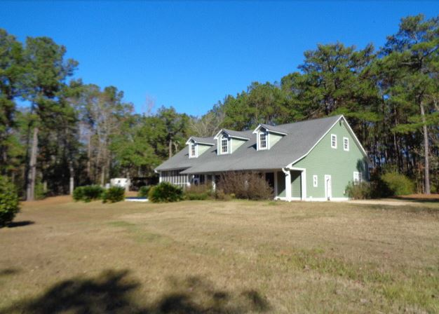 47 Pages Ln, Thomasville, GA 31792