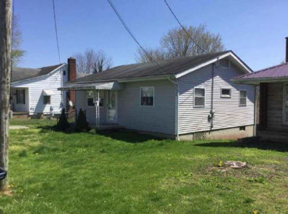 Manchester foreclosures – 610 E 7th St, Manchester, OH 45144