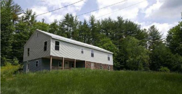 101 Old Town Rd, Hill, NH 03243