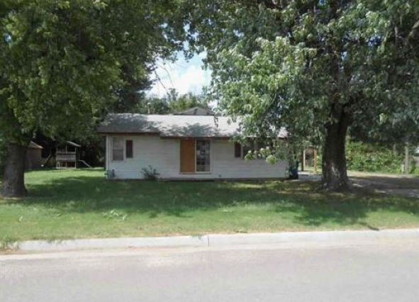 Buhler foreclosures – 220 W South Ave, Buhler, KS 67522