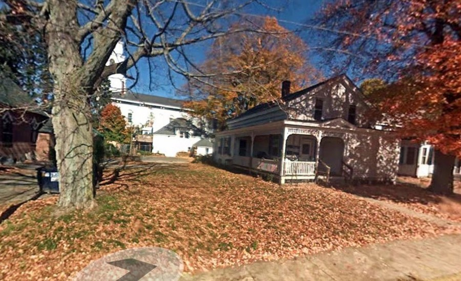52 Academy St, Danielson, CT 06239