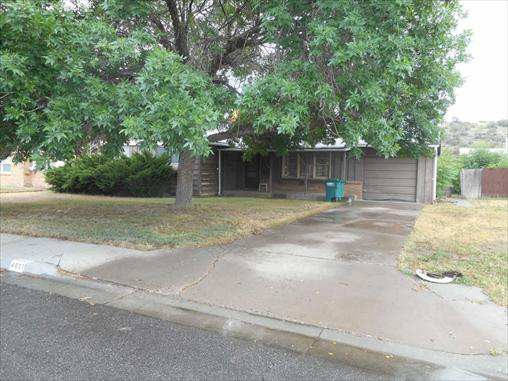 4021 E Douglas St, Farmington, NM 87402