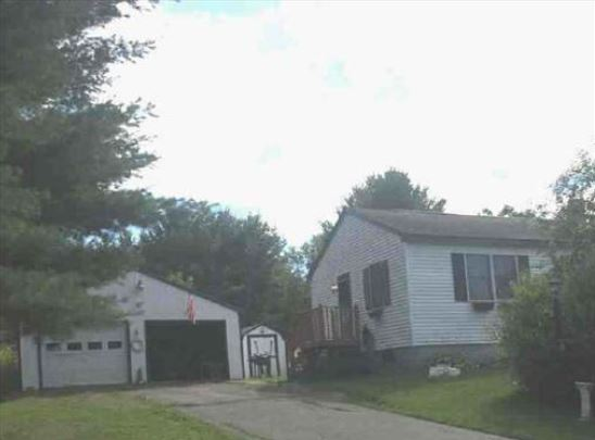 9 Somerset Ave, Fairfield, ME 04937