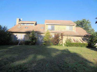 53 Miller Place Rd, Miller Place, NY 11764