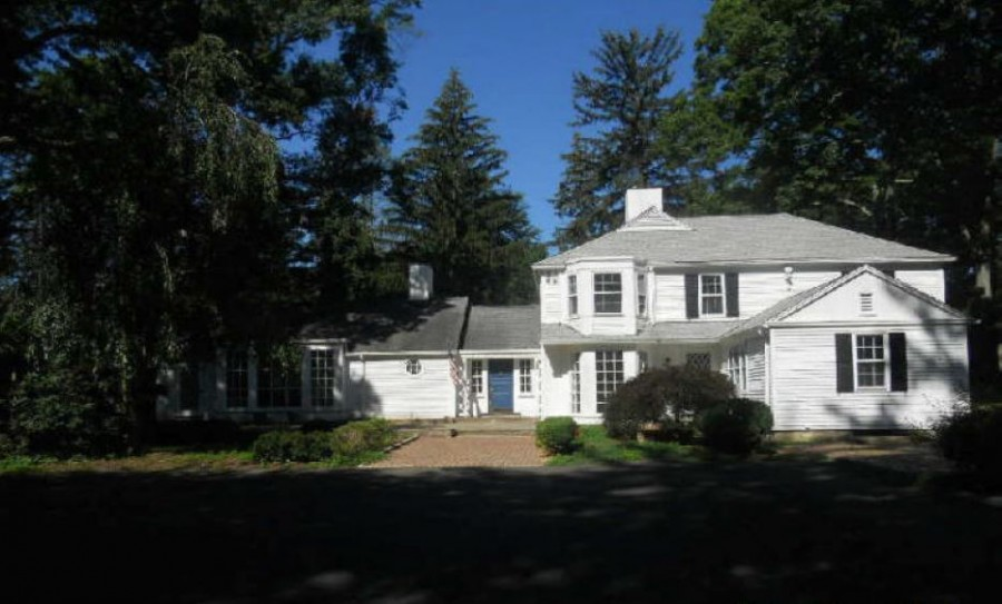 44 Old Rock Ln, Norwalk, CT 06850